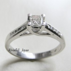 "Anillo de compromiso ""Ashley"""